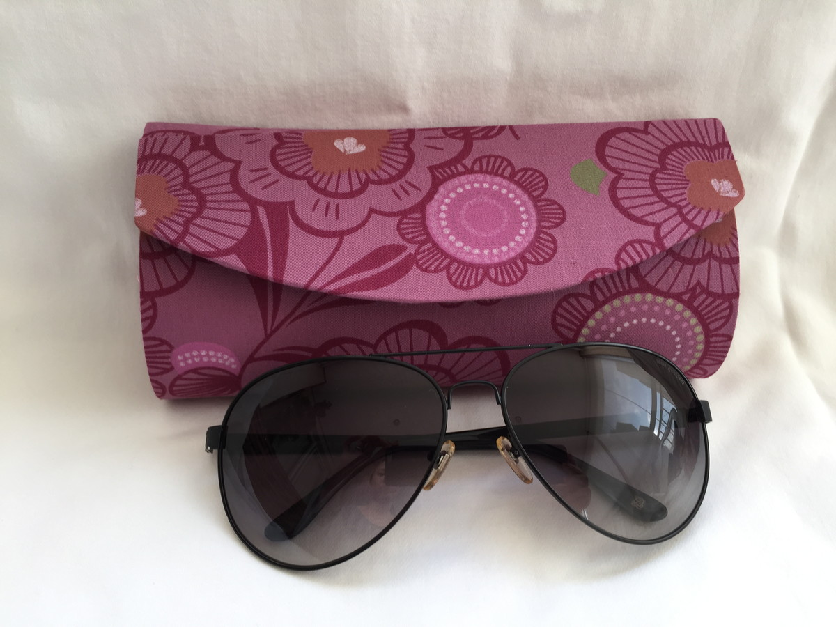 Porta culos by camila yanagi elo7 for Porta oculos
