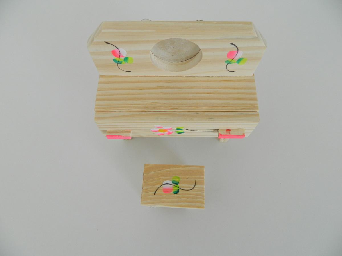 banqueta de madeira casa de boneca penteadeira e banqueta de madeira #9A6331 1200x900
