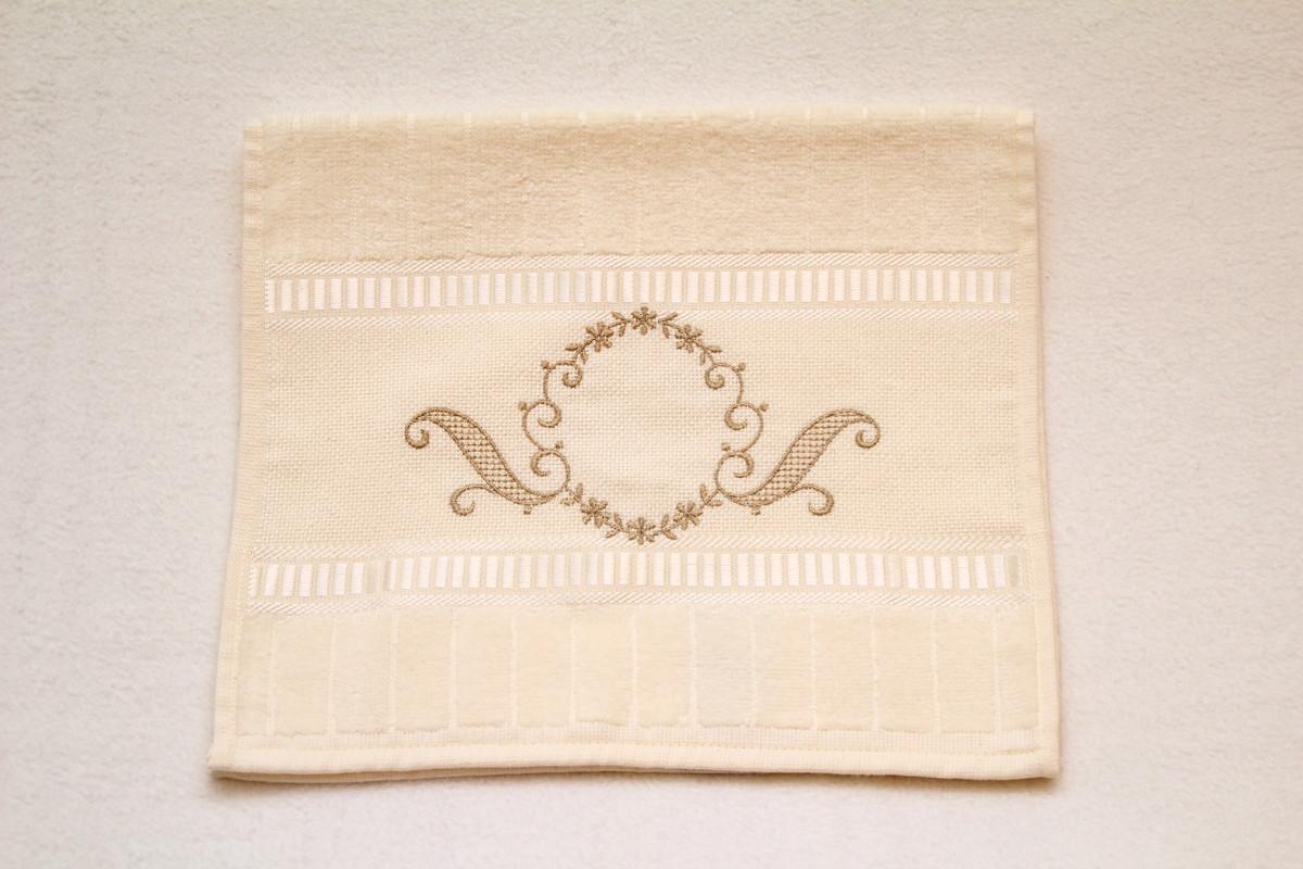 decoracao toalha lavabo:toalha-de-lavabo-aveludada-bordada-jogo-de-toalhas toalha-de-lavabo