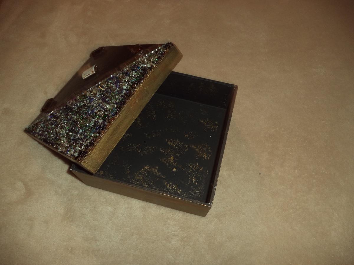 Aparador Con Kallax ~ Caixa decorada em miçangas Artesanais Lippert Elo7
