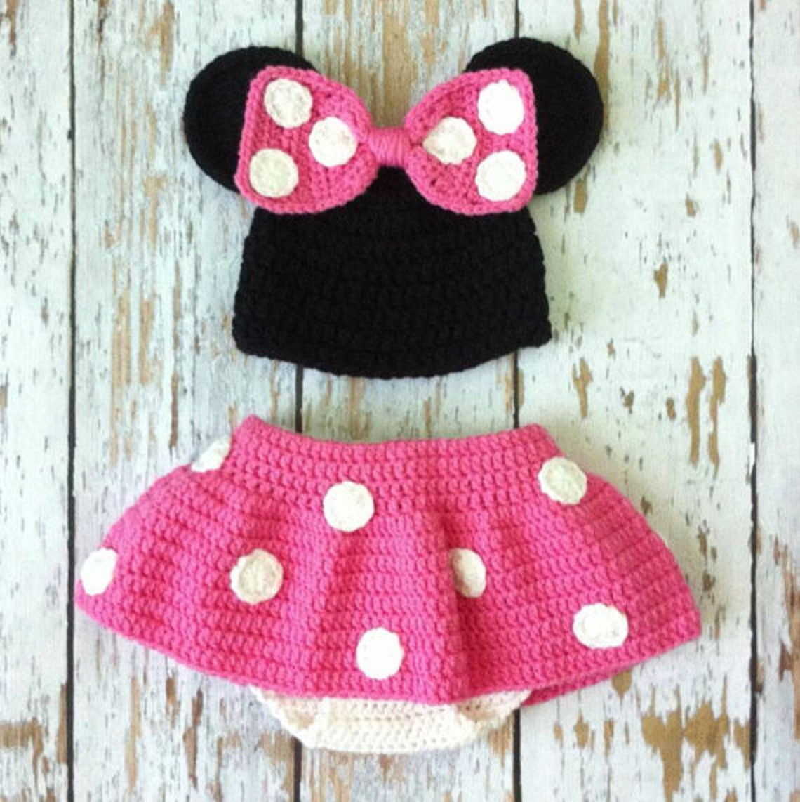 Free Crochet Pattern For Baby Minnie Mouse Outfit : Conjunto da Minie Croch? Divertido by Sandra Campos Elo7