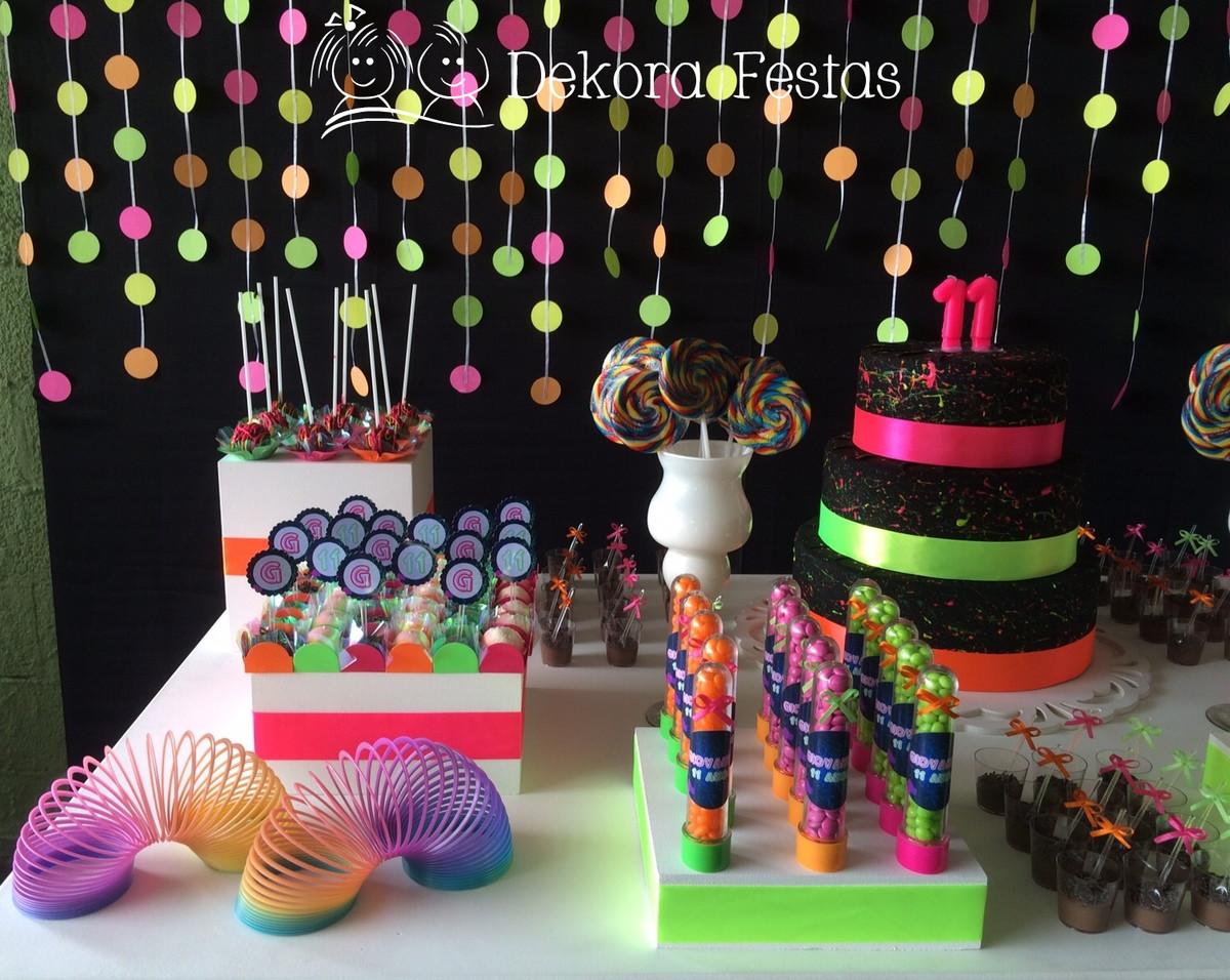 decoracao festa neon:decoracao-neon-painel-de-bexiga decoracao-neon-decoracao
