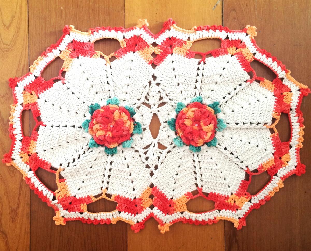 Tapete ou trilho de mesa em croche val croch s elo7 for Tapete mesa