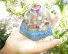 Orgonite Piramide Cristais Tam M Azul