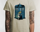 Camiseta Police Box and Alice 5069
