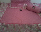 COLCHA PARA MINI CAMA BORDADA MINNIE