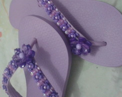 Chinelo decorado com pedraria