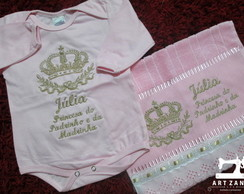 Kit Body + Toalhinha Bordados com Nome