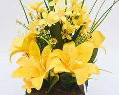 ARRANJO FLORAL YELLOW LILIES