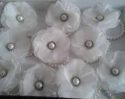 Corsages off-white e pérolas