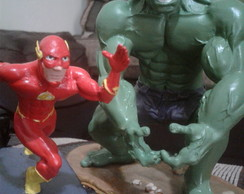 Hulk e Flash de Biscuit