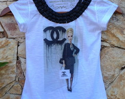 T SHIRT INFANTIL BARBIE CHANEL EXECUTIVA