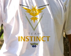 Camiseta Team Instinct de Pokemon GO