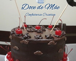 Bolo Decorado de Chocolate Sem Lactose