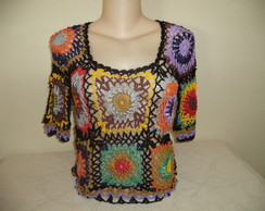 blusa colorida de crochet.