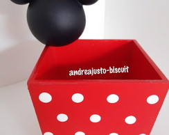 CACHEPOS DECORADOS COM BISCUIT DA MINNIE , MICKEY E SUA TURMA