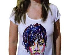 Camiseta Feminina Rihanna Fashion