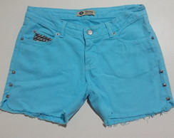 Shorts customizado com spikes