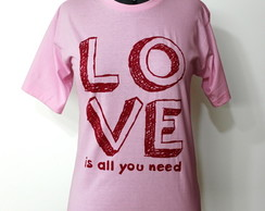 Camiseta Love is all P