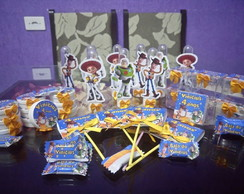 Kit personalizado toy story 100 itens
