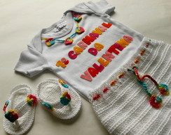 Kit Body, Bermuda e Chinelo Flores