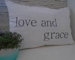 "Capa almofada ""love and grace"" CorBranco"