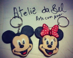 chaveiros mickey e minnie em biscuit
