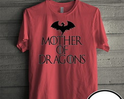 Camiseta vermelha mother of dragons