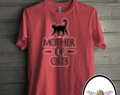 Camiseta vermelha mother of cats