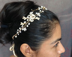 Tiara Beatriz Bride