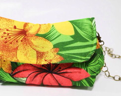 Clutch estampada com alça de corrente