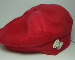 ... Boina Vermelha com Broche - Infantil 0898f7c1e1f