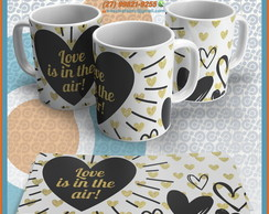 Caneca Cerâmica Love Is In The Air