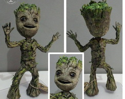 ESCULTURA BABY GROOT