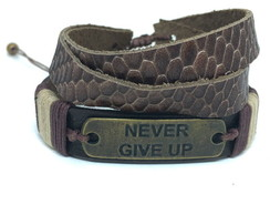Kit de Pulseiras Leather Never Give Up