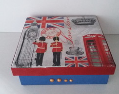 Caixa London com Decoupage