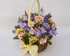 CESTA COM FLORES COLORED DAISIES