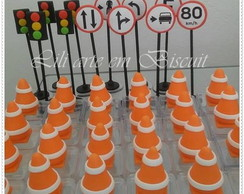Cones e Placas de Transito