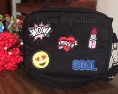 Bolsa transversal despojada com patches
