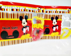 Massinha com molde mickey mouse