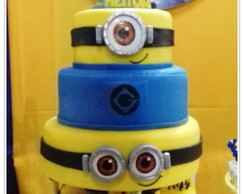 Bolo Fake dos Minions em Biscuit