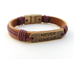 Pulseira masculina couro NEVER GIVE UP