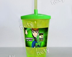 Copo twister Ben 10 Ultimate Alien 700ml com canudo