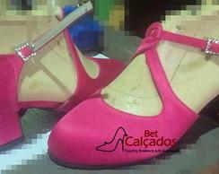 3ab9f97eb678 Sapato 010 pink bico fechado com tiras salto 7cm grosso no Elo7 ...