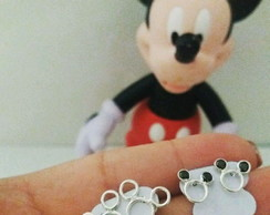 Brinco Minnie e Mickey