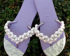 Chinelo decorado com pérolas e Strass