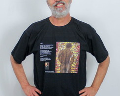 Camiseta com poema e pintura homenagem a Shakespeare