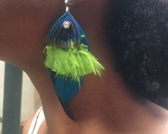 Brinco de penas, feather earrings