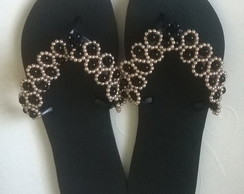 CHINELO DECORADO COM PÉRROLAS