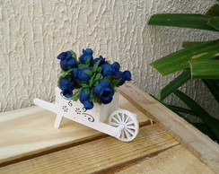 Enfeite Mini Carriola com flores